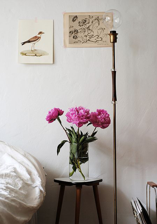 Thegardenershouse-livingwithflowers-01a